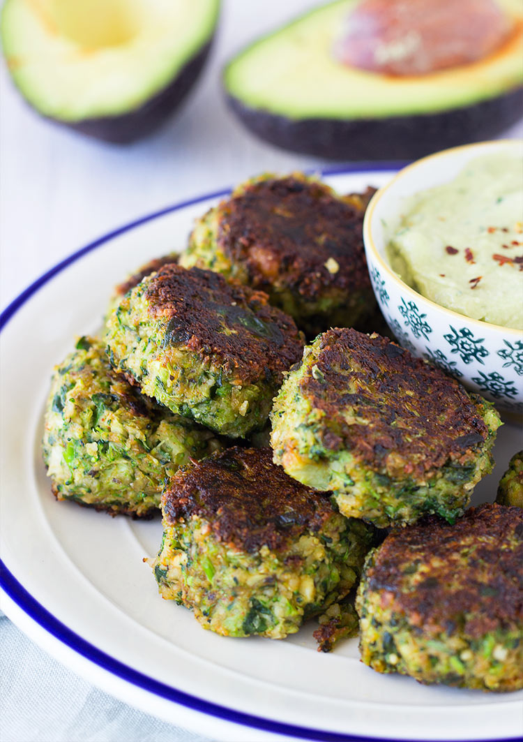 Spinach & Broccoli Poppers with a Creamy Avocado Dip are perfect for having guests over! So yummy, and super simple to make!