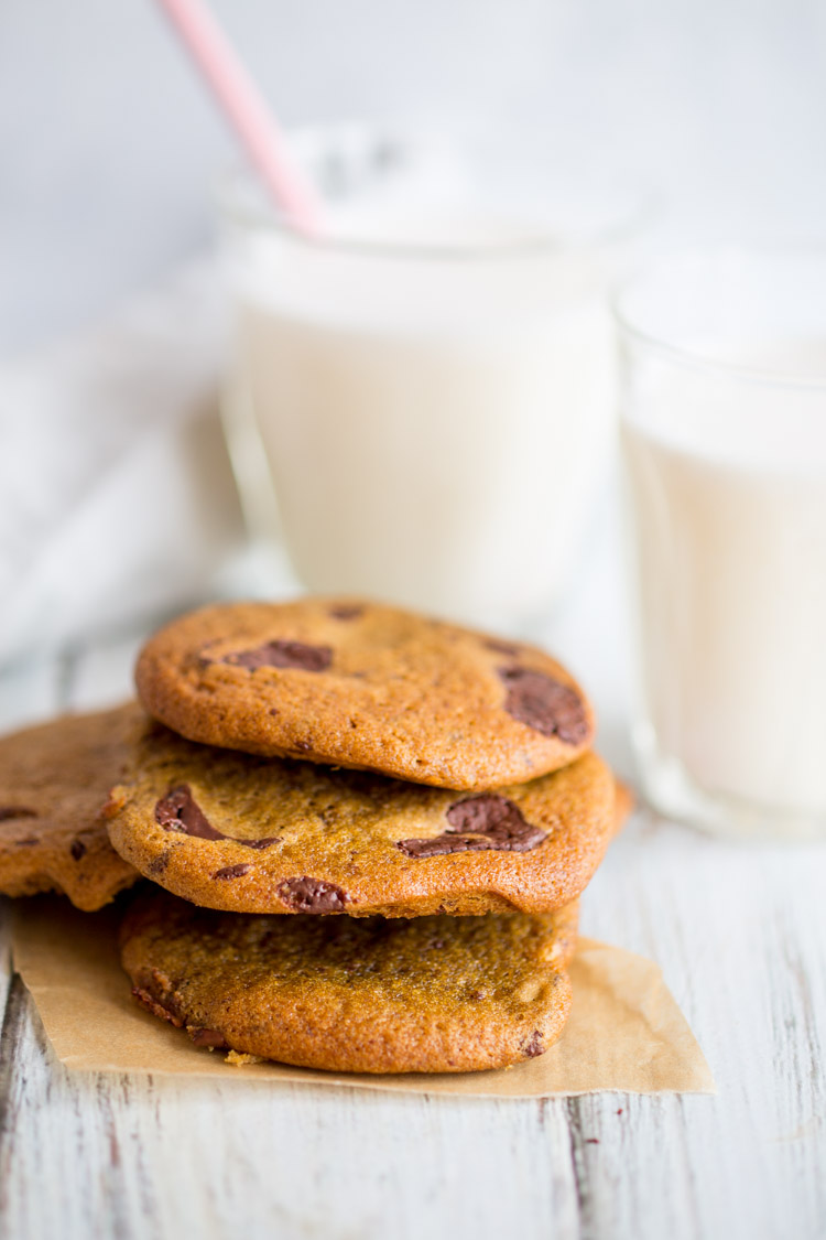 My New Favourite Vegan Chocolate Chip Cookies | Made without any refined sugar and using organic flour, these vegan cookies are impossible not to love!