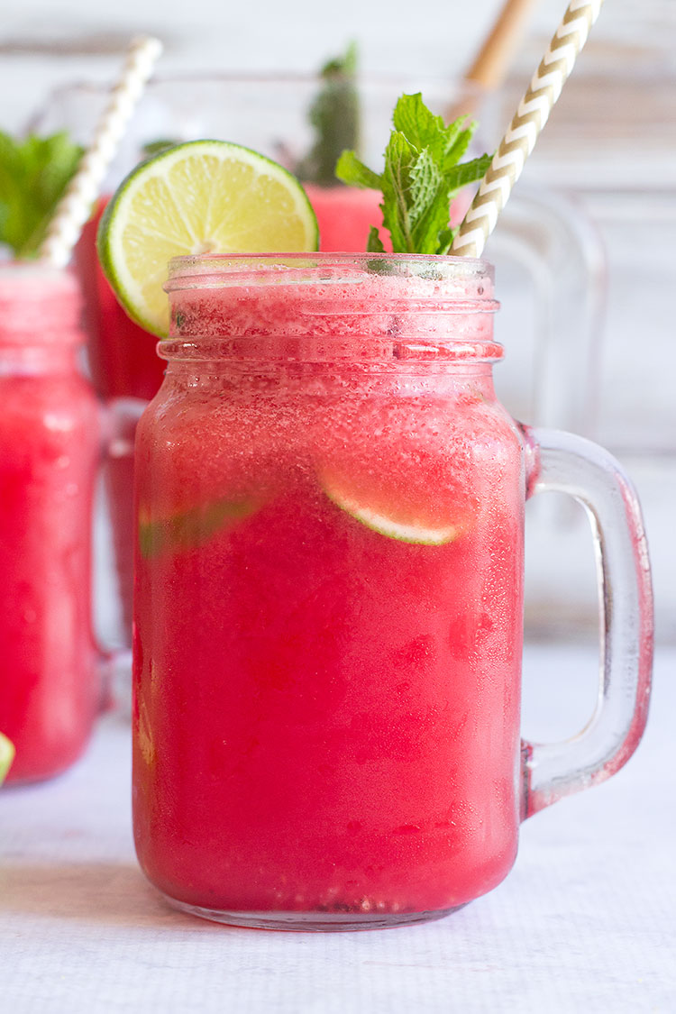Refreshing Prosecco & Tequila Watermelon Cocktails | The perfect healthy summer cocktail with no added sugar!